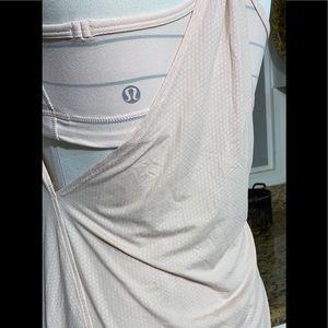 lululemon athletica Tops - Lululemon tank Size 4🌻